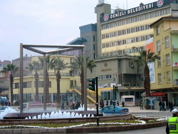Denizli Centrum Fontein en Gemeente