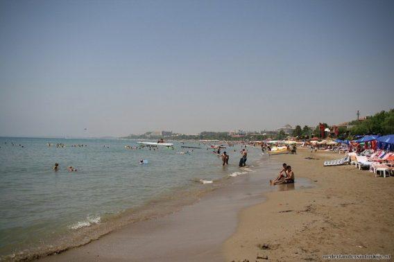 Een van de stranden in Side