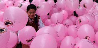 100.000 ballonnen laten Istanbul lachen
