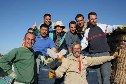 De Crew van de ballon in Cappadocie