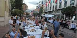 Wereldrecord Iftar in Istanbul