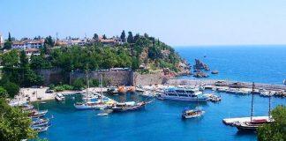 Duitsers en Russen krijgen geen genoeg van Antalya