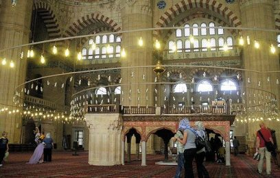 Binnenkant van de Selimiye moskee in Edirne