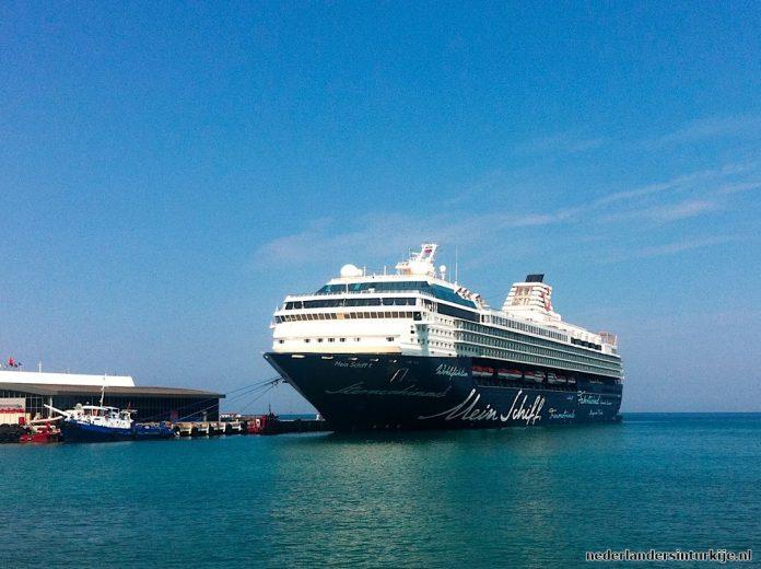 Haven van Kusadasi ontvangt 8 cruiseschepen op 1 dag