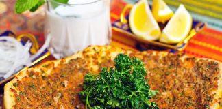 Lahmacun Turkse Pizza Ayran Karnemelk