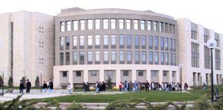 Regering schaft collegegeld af voor universiteiten in Turkije
